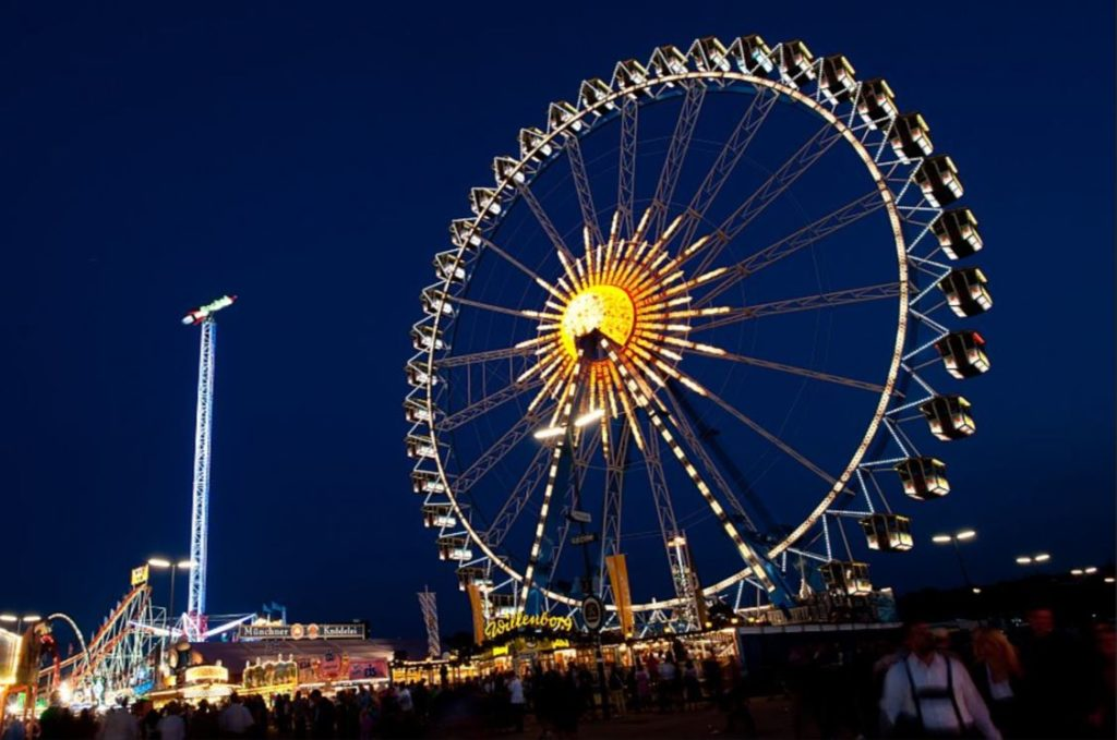 Ferris wheel at the Oktoberfest in Munich © Michael Alger